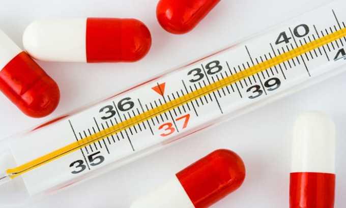 Парацетамол 500 используется для снятия повышенной температуры при инфекционно-воспалительных заболеваниях