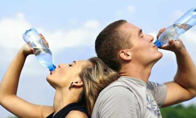 При приеме препарата может возникать побочная реакция в виде жажды