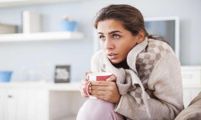 Смесь лекарств применяют при длительной лихорадке, не поддающейся лечению с помощью жаропонижающих средств