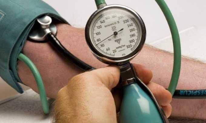 Со стороны сердечно-сосудистой системы может наблюдаться увеличение давления