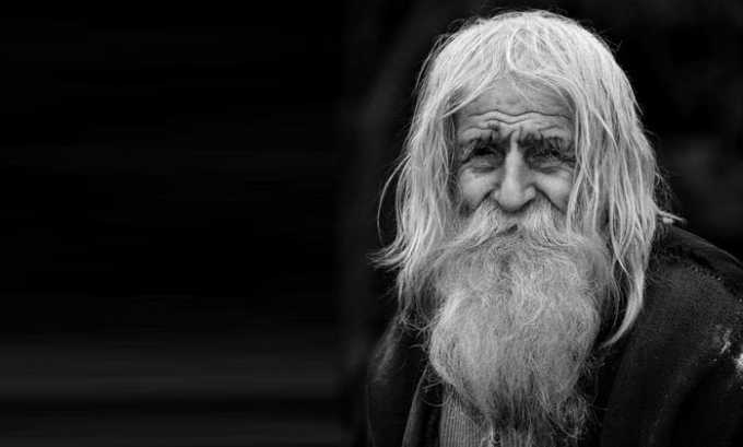 В пожилом возрасте коррекция дозы не требуется