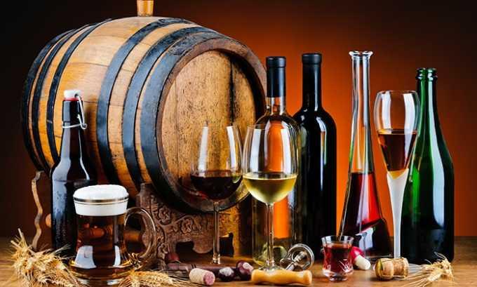 В период антибактериальной терапии не рекомендуется употреблять алкоголь