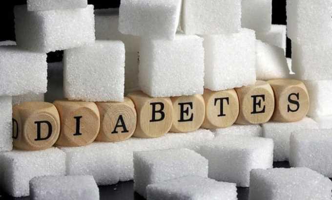 С осторожностью медикаментозное средство необходимо принимать людям с диабетом