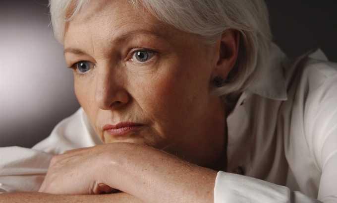 Климакс. У женщин старше 45 лет репродуктивная функция угасает, и яичники вырабатывают все меньше эстрогенов