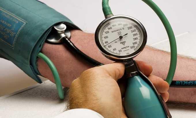 Во время приема препарата возможно повышение артериального давления