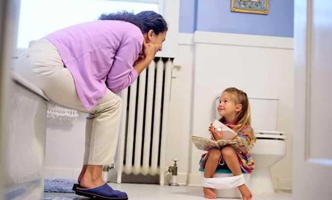 При легком течении заболевания ребенок посещает туалет 10-15 раз в сутки, при тяжелом - до 30 раз
