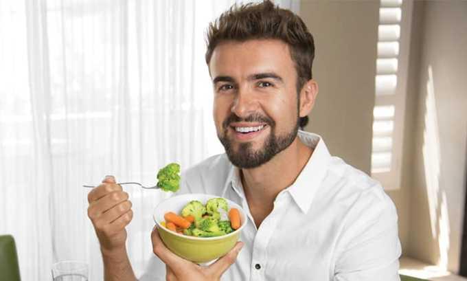 Правильное питание ускоряет процесс выздоровления, пациенту рекомендовано отказаться от блюд, раздражающих пищеварительную и мочеполовую системы