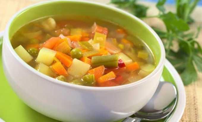 Пользу ослабленному организму принесут супы на некрепких овощных бульонах