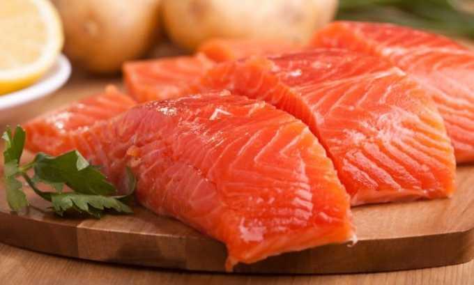 Рыба, в том числе лосось, входит в пищевой состав тирозина