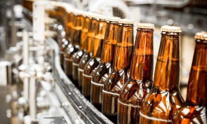 При изготовлении пива используются консерванты и химические примеси, которые вызывают воспаление в слизистых слоях мочевого пузыря