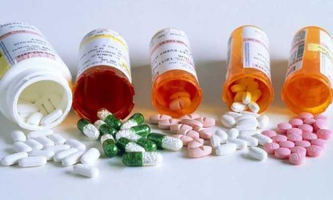Ослабляется терапевтический эффект у больных с тяжелой дисфункцией почек в сочетании с бета-лактамными противомикробными препаратами