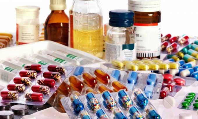 При применении антибиотика в сочетании с антикоагулянтами повышается риск развития кровотечений