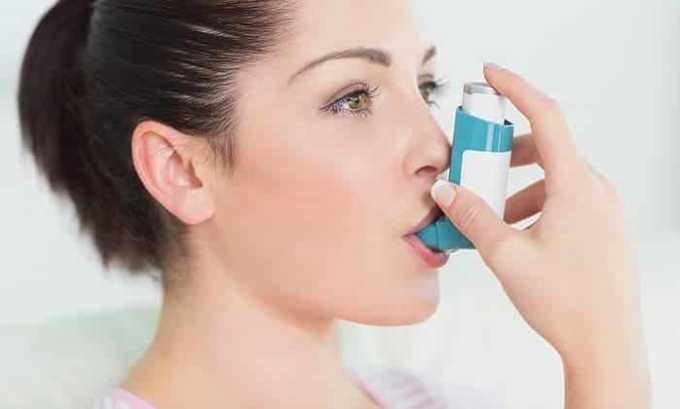 Нельзя применять супрастин, парацетамол и но-шпу при остром приступе бронхиальной астмы с развитием приступообразного кашля и одышки