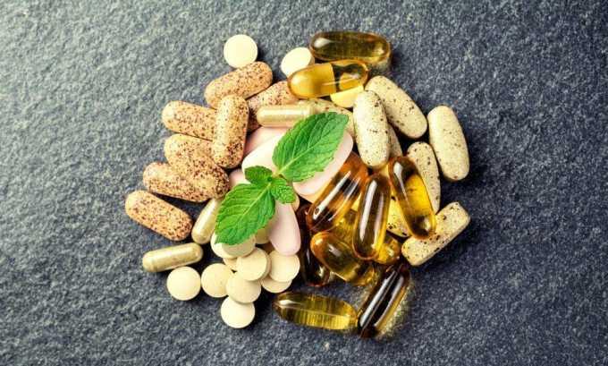 Во время приема антибиотиков нужно принимать пробиотики и эубиотики для нормализации микрофлоры