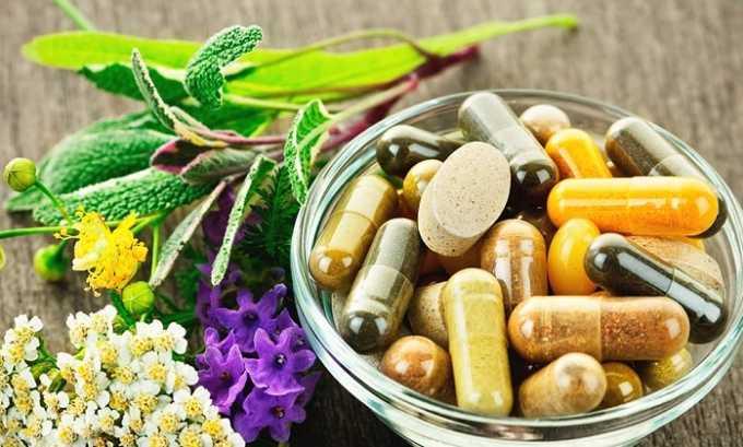 При хроническом цистите нужно периодически принимать фитопрепараты