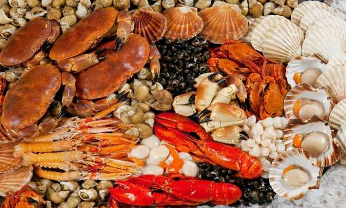 Аминокислота содержится в таких источниках пищи, как морепродукты