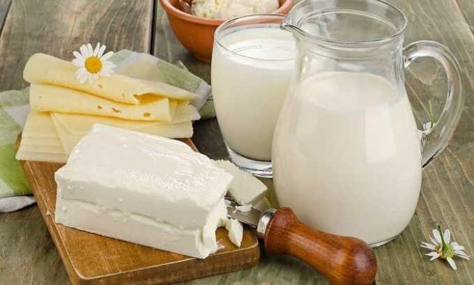 Люди, страдающие циститом, должны включать в рацион употребление нежирной молочной и кисломолочной продукции