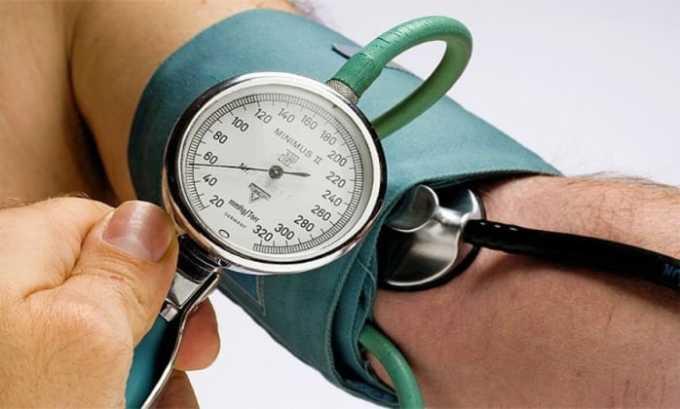 При передозировке возможно резкое понижение давления