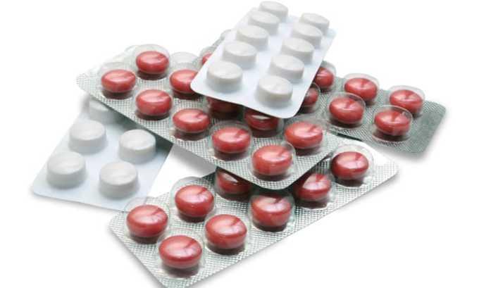Противовоспалительные средства назначаются при выраженном болевом синдроме, высокой температуре