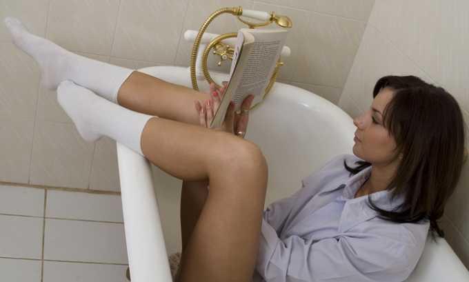 Облегчить состояние пациента при воспалении мочевого пузыря помогают ванночки с ромашкой, шалфеем или календулой