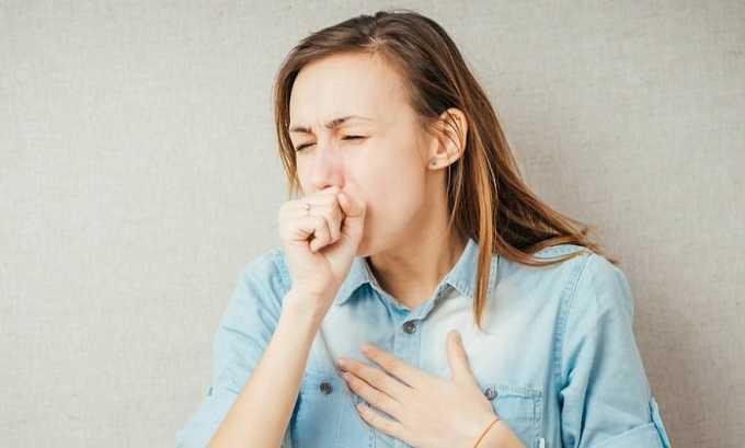 При приеме препарата у больного может начаться мучительный сухой кашель