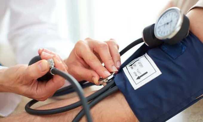 После приема препарата может повыситься артериальное давление