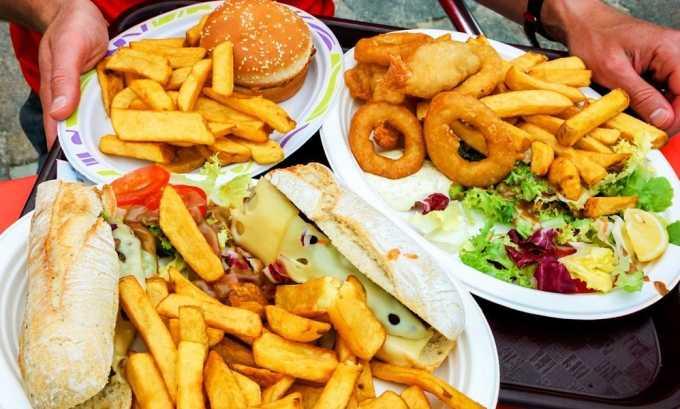Во время лечения отказаться от употребления острой и соленой еды