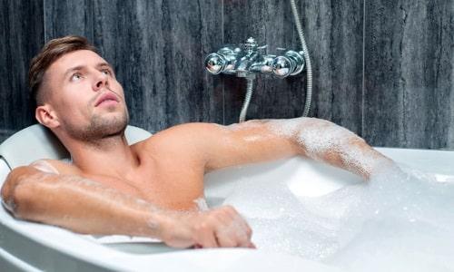 Мужчины при первых признаках воспаления мочевого пузыря могут использовать ванны с содой