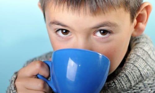 Для помощи ребенку кроме лекарственных препаратов можно использовать отвар и корня любистика
