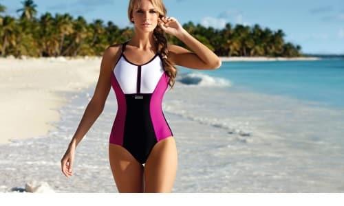 Купальный костюм должен быть подобран таким образом, чтобы он максимально плотно прилегал к телу