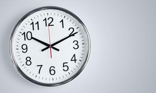 На начальном этапе длительность сеанса составляет 15 минут. Затем его продолжительность увеличивают до 30-40 минут