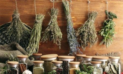 Основное преимущество терапии народными средствами - это полностью натуральные составы, без применения химии, отдушек, красителей и прочих веществ