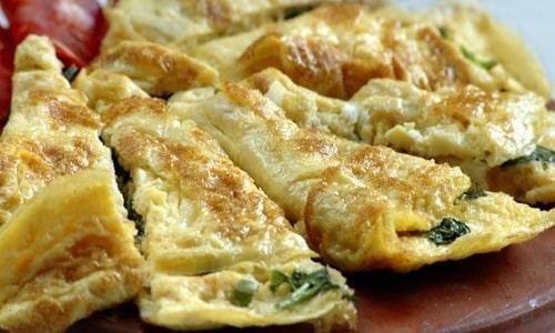На завтрак больному циститом можно приготовить омлет