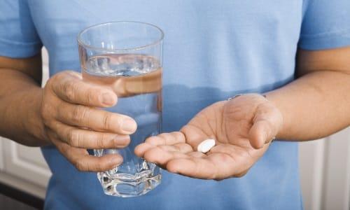 Если приступ сопровождается сильной болью, допускается использование спазмолитика