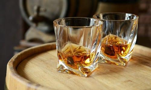 Спиртосодержащая жидкость нанесет вред здоровью, несмотря на уровень ее крепости