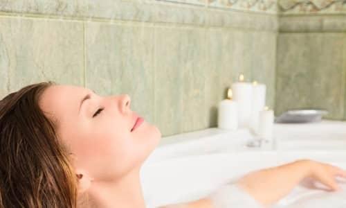 Прием горячей ванны - один из методов снятие болезненных симптомов цистита