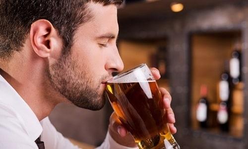 Употребление спиртных напитков во время лечения не рекомендовано