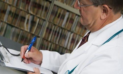 Выписывая рецепт, врач указывает латинское название действующего вещества, форму выпуска, рекомендуемую дозировку и частоту приема