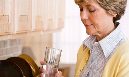 Лекарство принимается во время или после еды, внутрь