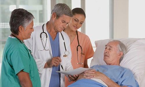 Рекомендуется прием средства Аксетин в целях профилактики инфекционных заболеваний после хирургических вмешательств