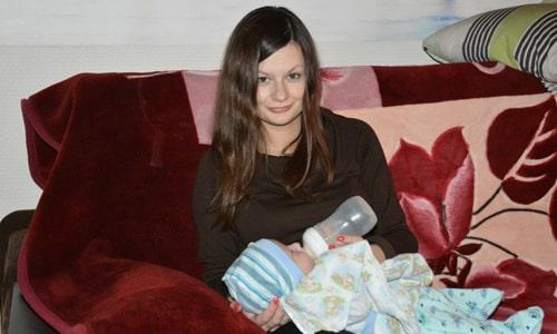 На время лечения нужно перевести ребенка на искусственное вскармливание