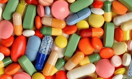 Нельзя одновременно принимать Флемоклав солютаб 250 с антацидами, слабительными препаратами и аминогликозидами