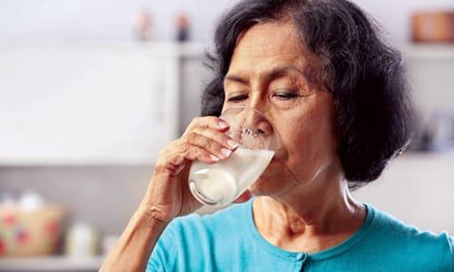 Рекомендуется запивать препарат молочным продуктом