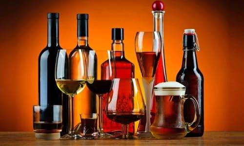 Спиртосодержащие напитки снижают эффективность Нурофена и увеличивают риск развития побочных реакций