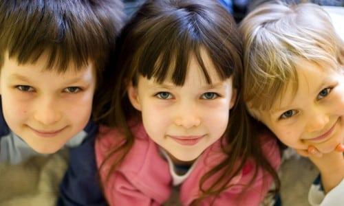 Медикамент назначается детям в возрастной группе 1 месяц - 12 лет, только в тех случаях, когда прием альтернативных лекарственных средств не дает нужного терапевтического эффекта