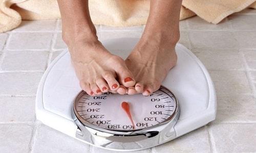 Быстрый набор веса - один из признаков передозировки препаратом