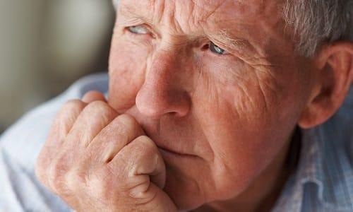 У пациентов пожилого возраста при длительном приеме лекарства необходимо контролировать функцию легких
