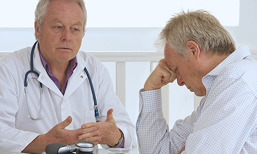 Рекомендуется соблюдать осторожность при применении препарата Амикацин лицами старше 65 лет