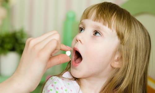 Таблетки для приема внутрь допускается применять только детям